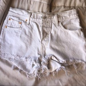 White washed Levi 501 shorts